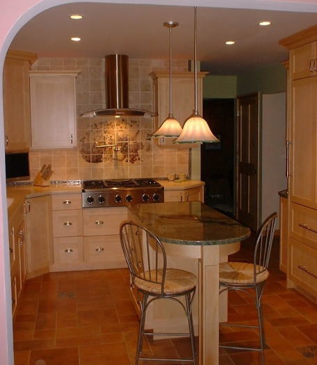 Natural Maple Kitchen Cabinets: North Country Cabinets